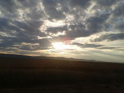 amanecer_tren_nubes