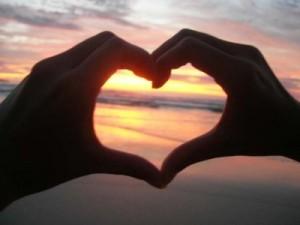 manos_corazón